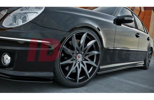 Накладки на пороги Mercedes E-класс W211 AMG