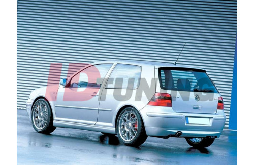 Накладка на бампер задний Volkswagen Golf IV (25'TH ANNIVERSARY look, с отверстием под выхлопную трубу)